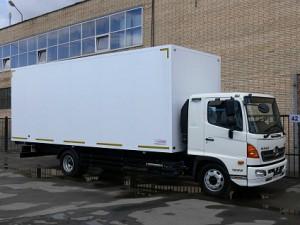 hino500-12-0-promtovarny-furgon